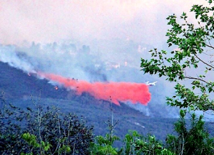 San Marcos fire plane, red, mtns