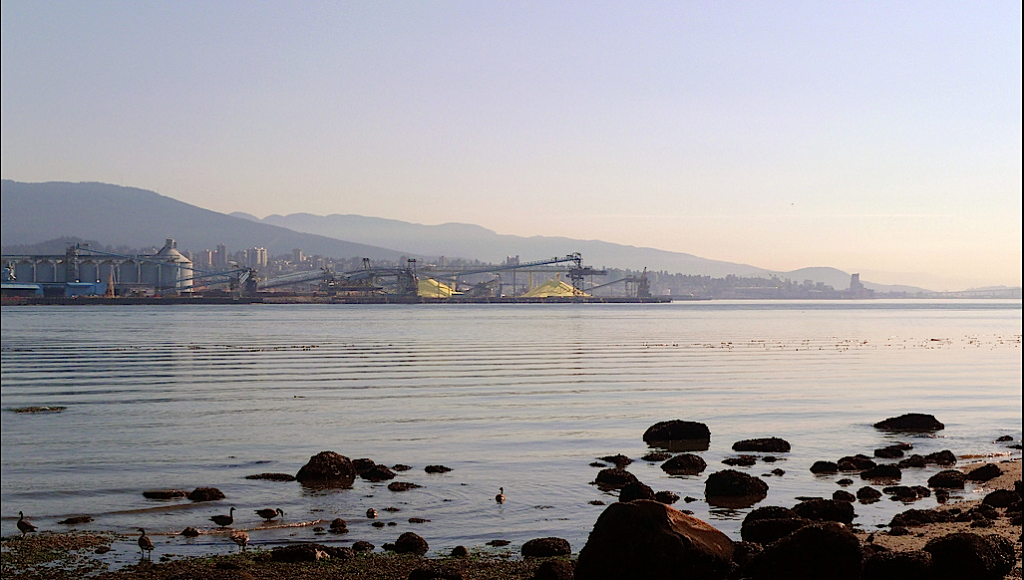 Burrard Inlet – Ruth Hartnup, cc by 2.0