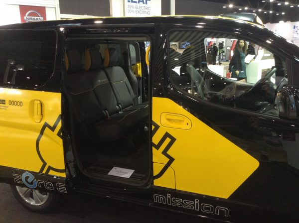 Nissan e-NV200 door