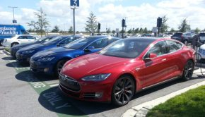 Tesla-Model-S-red-blue-black-grey (1)