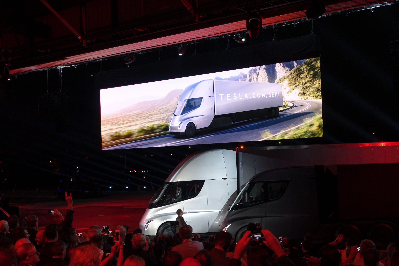 UPS Pre-Orders 125 Tesla Semi Trucks, Largest Order Yet